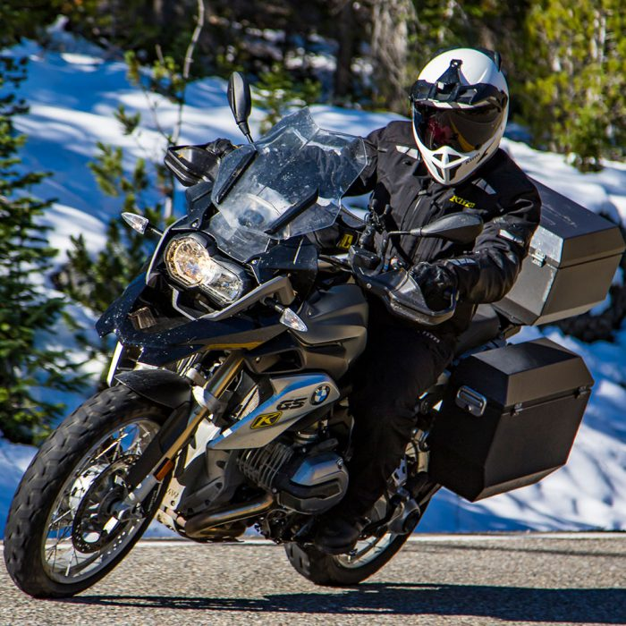 Klim_Latitude_Black_Action